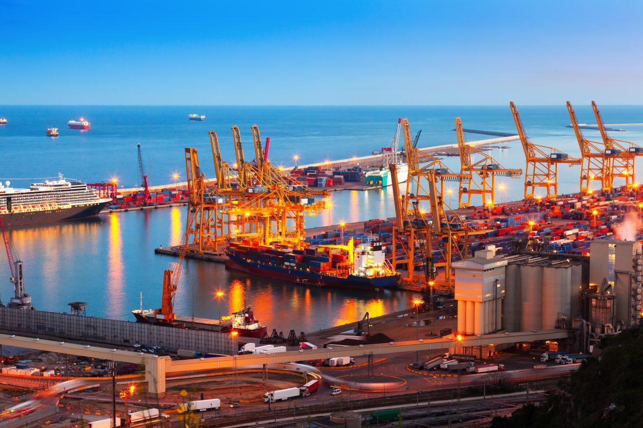 https://www.ubf-lex.it/wp-content/uploads/2021/10/industrial-port-de-barcelona-in-evening-1280x853.jpg